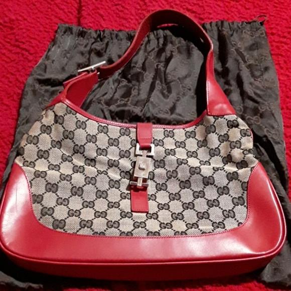 672e7cd00fa Gucci Jackie medium GG hobo bag. Gucci. M_5c413dbc7386bcece600dbe0.  M_5c413dc8619745e5dd635789. M_5c413ddb819e904f3671c2eb.  M_5c413de945c8b39d7c439b8c